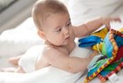 L'éveille au monde de bébé : lui parler, les jouets…